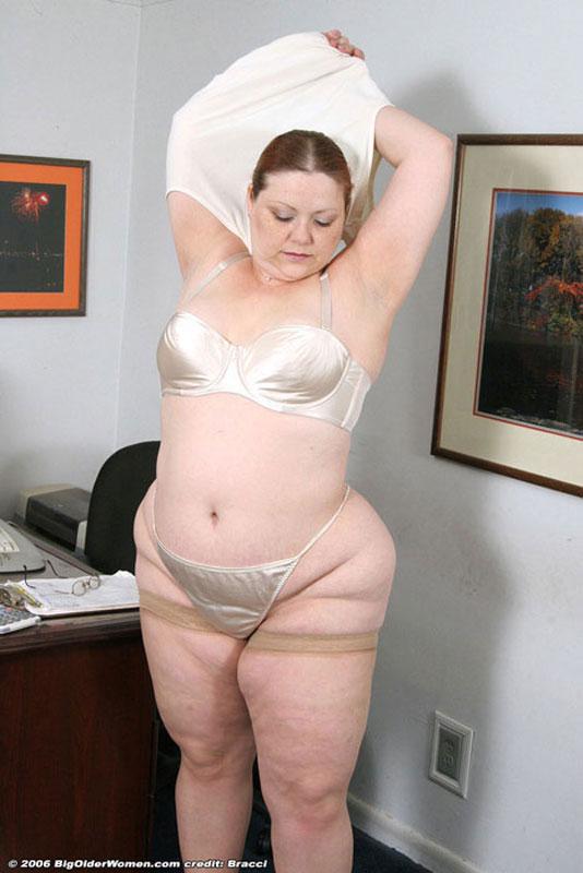 фото голых жирных бабушек
