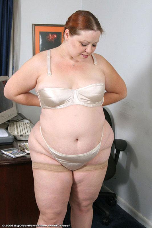 Трусиках тетки толстые в